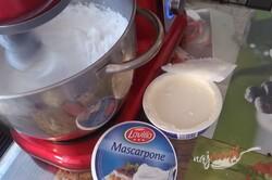 Príprava receptu Kinder Pingui v tvare rolády, krok 8